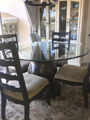 Round Kitchen Dinning Table for Sale in Salinas, CA