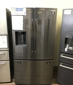 Samsung 27 cu. ft, French Door Refrigerator in Black Stainless Steel for Sale in Fresno, CA