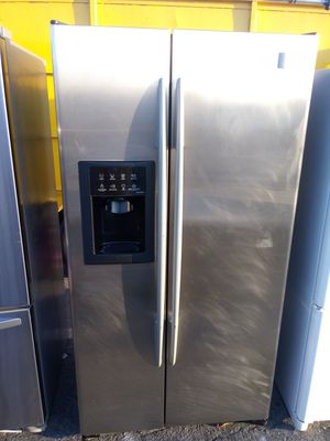 See pics GE profile refrigerator/3 month warranty and free local delivery for Sale in San Fernando, CA