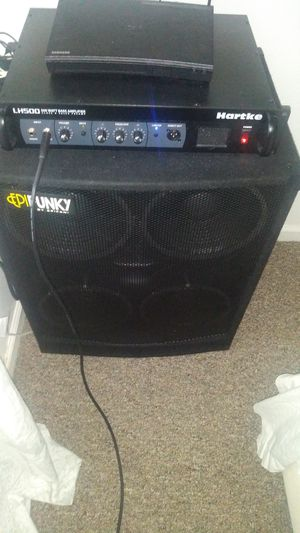 500 watts bass amplifier and bass box. for Sale in Port St. Lucie, FL