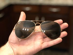 Mens Ray Bans Aviator Classic Gold Frame - $100 for Sale in Denver, CO