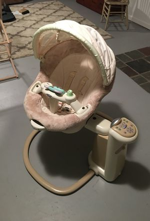 Graco Baby Swing for Sale in Mifflinburg, PA