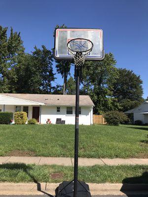 Spalding basketball hoop height adjustable,nba reg size for Sale in Annandale, VA
