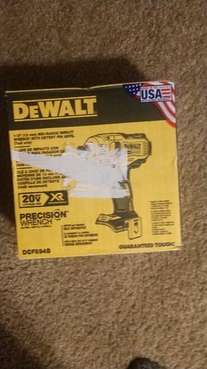 Dewalt mide size 1/2 inch impact wrench for Sale in Tacoma, WA