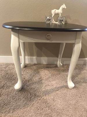 Antique End Table for Sale in Redmond, OR