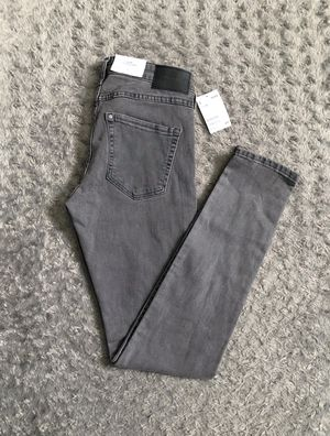New! Women's H&M skinny jeans retail $19 size 29 Brand-new never worn! Color Grey Skinny jeans low waist. for Sale in Washington, DC