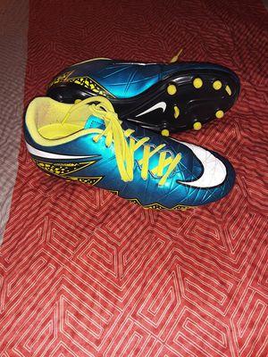 Children Nike Hypervenom Soccer Cleats children Size 10.5 for Sale in Fresno, CA
