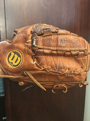Wilson The A2000 L Made in USA Dual Hinge Baseball Glove Right-Hand Throw This is apparently highly collective glove. no refunds for Sale in Pembroke Pines, FL