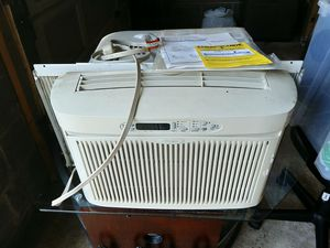 Window air conditioner for Sale in UPPER ARLNGTN, OH