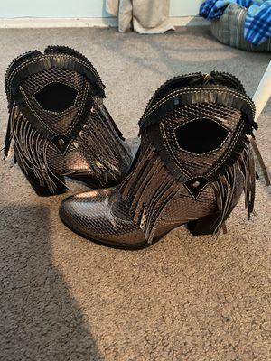 Women's size 7 boots for Sale in El Cajon, CA