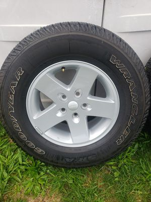 Jeep wheels and tires for Sale in CASTLE SHANN, PA