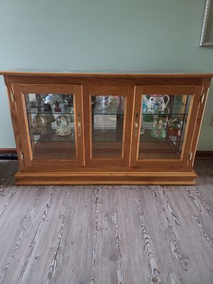 Custom built Amish Oak Table/TV Stand for Sale in Granville, OH