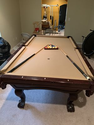 Pool Table w/ bar stools for Sale in Stone Mountain, GA