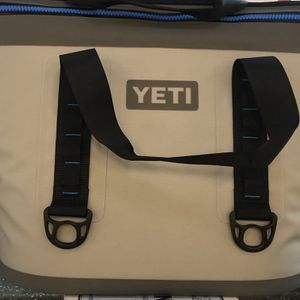 Soft Yeti Cooler for Sale in Chicago, IL