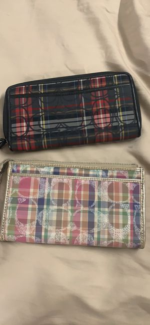 2 Coach wristlet/wallet for Sale in Centreville, VA