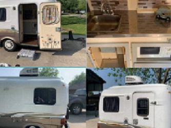 Exactly like new enclosed. Vintage Camper for Sale in San Angelo,  TX