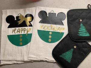 Holiday Mickey and Minnie Kitchen Towels for Sale in Murfreesboro, TN
