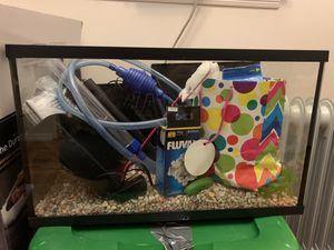 10 Gallon Fish Tank W/ 2 Power Filters!! Water Pump and Much Much More**** for Sale in The Bronx, NY