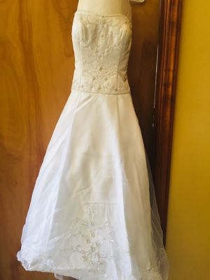 Oleg Cassini Size 10 Wedding Dress for Sale in Pittsburgh, PA