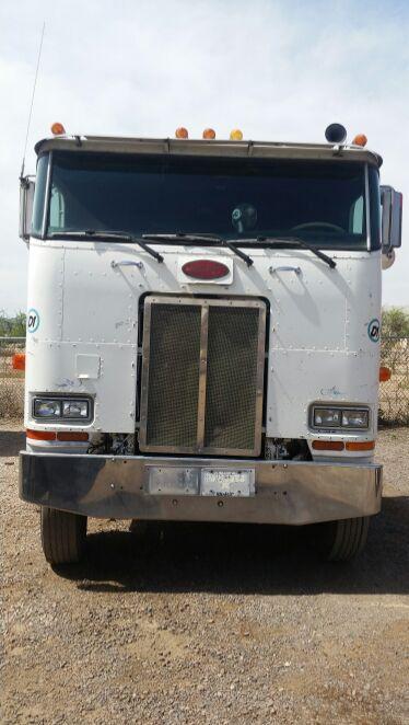 Optimus prime ( cabover truck)