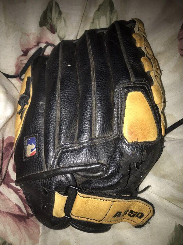 Wilson MLB baseball/softball glove