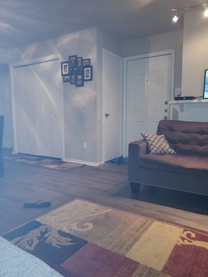 Chocolate 🍫 brown couch and loveseat for sale for Sale in DeSoto, TX