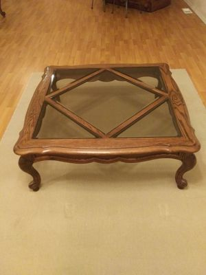 Oak coffee table with matching end tables for Sale in Enumclaw, WA