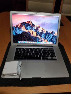 Macbook Pro 15-inch (16gb of ram, i7 processor, 256gb SSD) for Sale in Burbank, CA