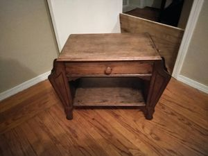 Small Antique End Table for Sale in Hayward, CA