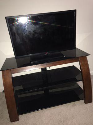 tv stand & LG TV for Sale in Manassas, VA