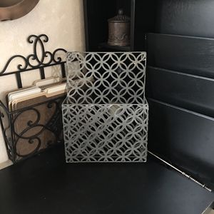 "(30% off pick up) Modern 13.5"" x 10"" x 3"" Metal Wall MAGAZINE RACK Cutout SILVER Letter ORGANIZER for Sale in Las Vegas, NV"