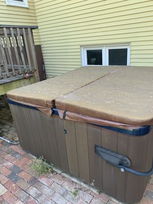 jacuzzi hot tub for Sale in Fort Washington, MD
