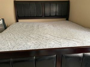 Bedroom set without mattress for Sale in Houston, TX