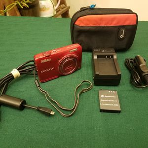 Nikon CoolPix S6300 Digital Camera, Red for Sale in Minneapolis, MN