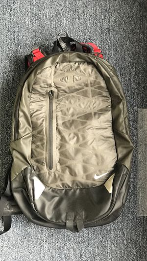 Nike Hiking Daypack for Sale in Queens, NY
