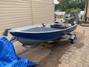 12 ft Aluminum Boat, Electric Motor, and Trailer for Sale in Trenton, NJ
