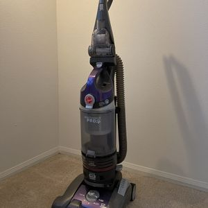 Hoover Windtunnel 3 Pro Pet Bagless Vacuum Cleaner for Sale in Irvine, CA