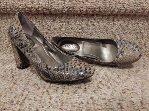 New Women's Size 8 Me Too Pump [Retail $109] Flexible Bend, Leather, EXTREMELY COMFORTABLE for Sale in Woodbridge, VA