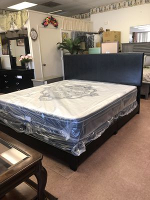 New king bed for Sale in Greensboro, NC