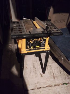 Table saw 10inc hes run good for Sale in Lawrenceville, GA