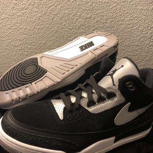 Jordan 3's tinker black celment gold for Sale in Turlock, CA