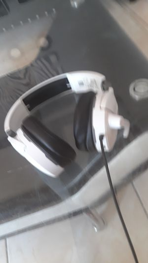 Gaming headset ps4 or xbox for Sale in Pomona, CA