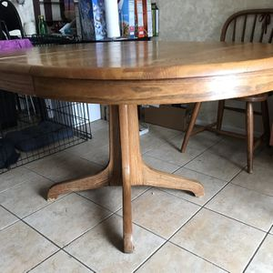 Round kitchen table with extension plus chairs for Sale in Buffalo Grove, IL