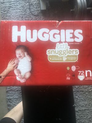 Huggins newborn pampers for Sale in Bakersfield, CA