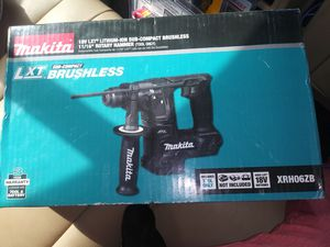 Makita 18v LXT Lithium-ion Sub-Compact brushless 11/16 rotary hammer tool only for Sale in Philadelphia, PA
