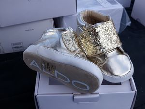 Aldo Infant Gold boots shoes NIB sizes 1, 2 or 3 for Sale in Stockton, CA