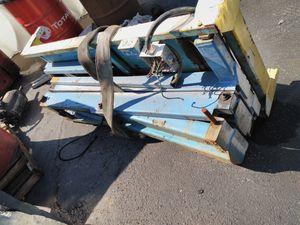 Table lift scissors lift for Sale in Cerritos, CA