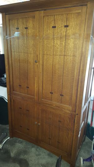 Large Oak Armoire for Tube TV or storage for Sale in Excelsior Springs, MO