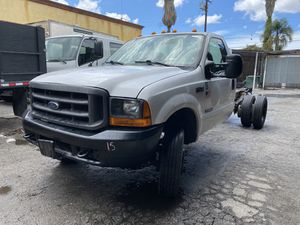 "2000 Ford F450 84"" CA 7.3 Diésel 5 Speed Manual for Sale in Compton, CA"