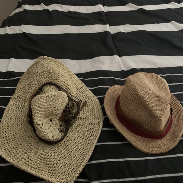 Free - 2 Women Hats/ Dish Rack/ Keyboard